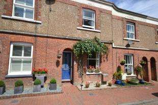 2 Bedrooms Terraced House for sale in Polesden Road, Tunbridge Wells, Kent