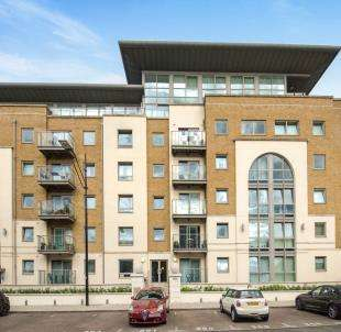 2 Bedrooms Flat for sale in Building 50, Argyll Road, London