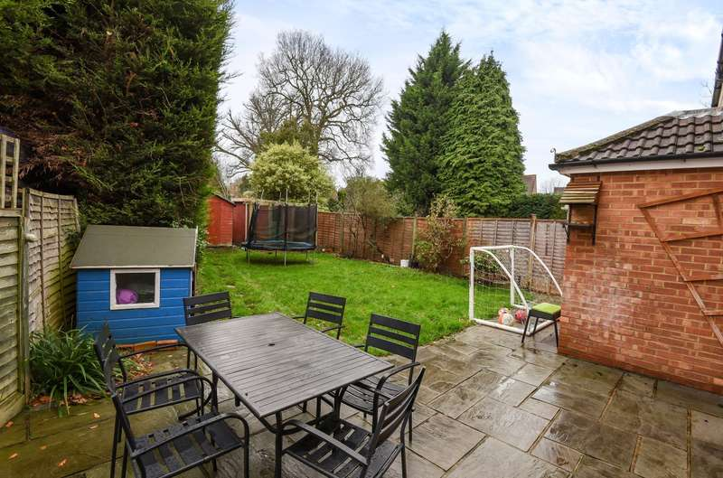 4 Bedrooms Semi Detached House for sale in Merrow