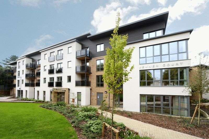 1 Bedroom Flat for sale in Jenner court, St Georges Road, Cheltenham: One bed second floor Assisted Living apartment with walk out balcony