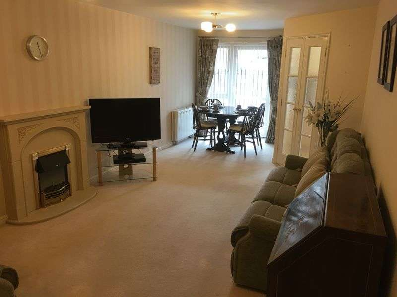 2 Bedrooms Flat for sale in Hartwell Court, Church Street, Nottingham: NO CHAIN TWO Bed, TWO bathroom retirement apartment