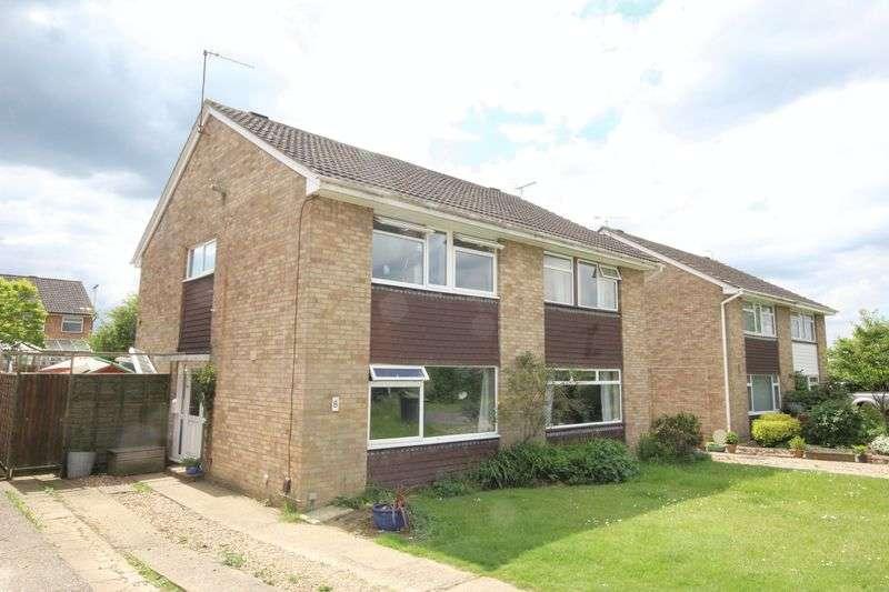3 Bedrooms Semi Detached House for sale in Molescroft Way, Tonbridge