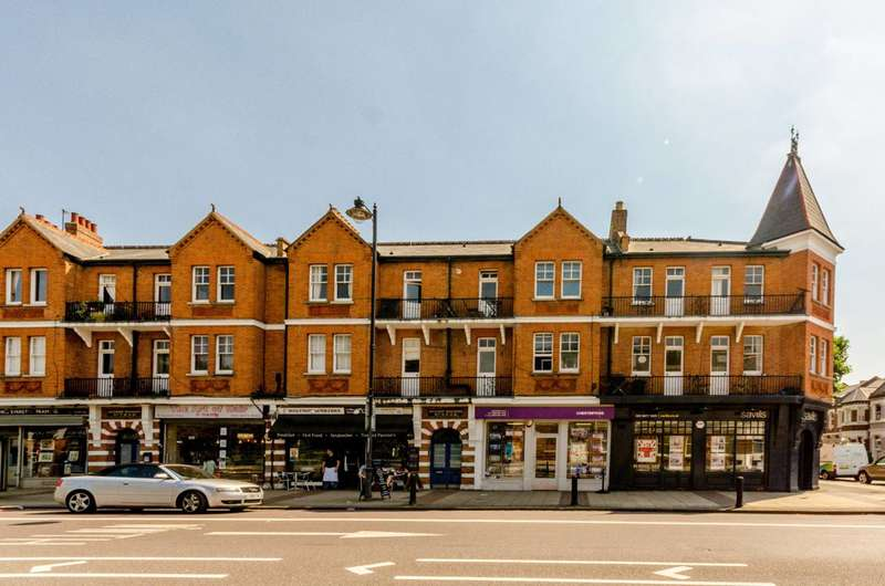 3 Bedrooms Flat for sale in Huguenot Place, Wandsworth, SW18