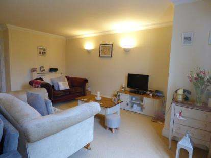 2 Bedrooms Flat for sale in Tower House, Pittville Circus, Cheltenham, Gloucestershire