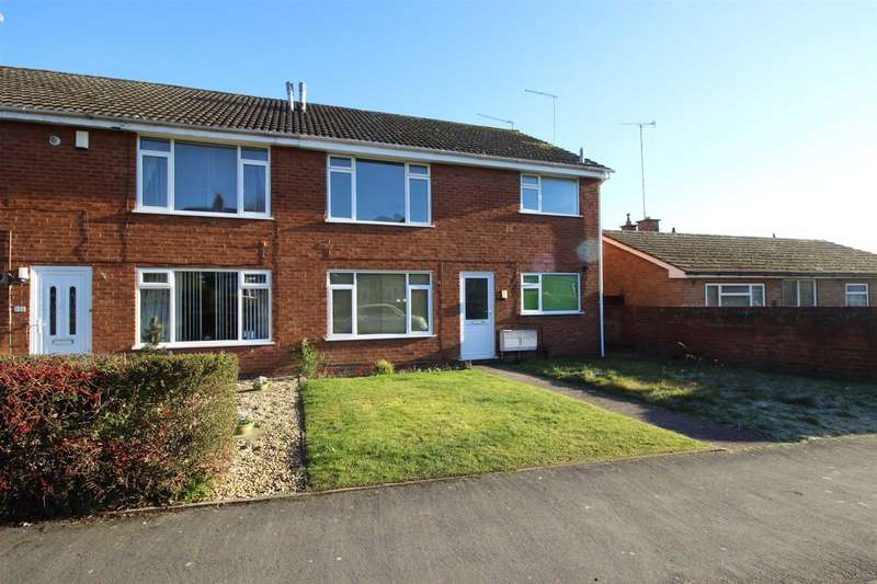2 Bedrooms Maisonette Flat for sale in Crooks Lane, Studley