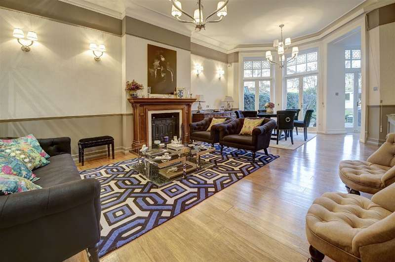 3 Bedrooms Property for sale in Akenside Road, Hampstead, NW3