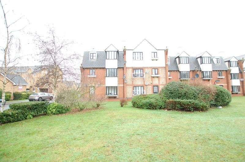 2 Bedrooms Flat for sale in Grays