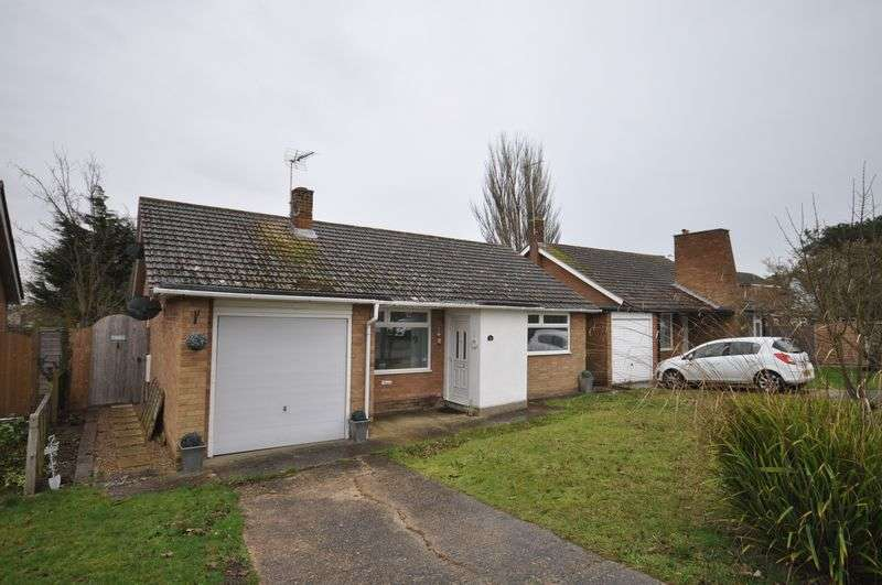2 Bedrooms Detached Bungalow for sale in Estuary Park Road, West Mersea, Essex CO5 8BZ