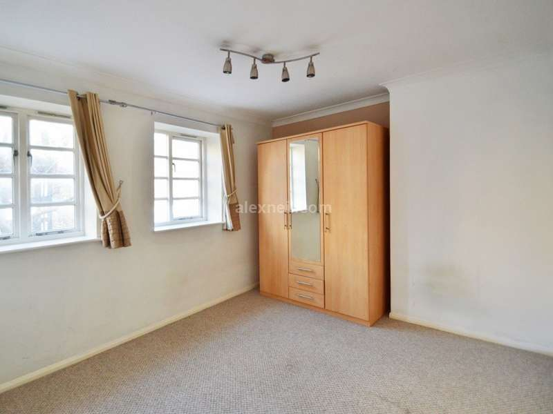 2 Bedrooms Flat for sale in Acorn Walk, Rotherhithe SE16