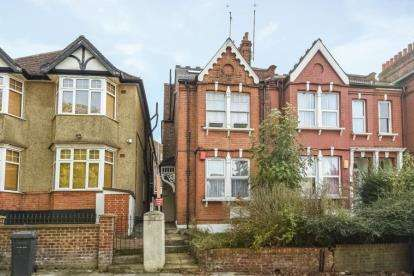2 Bedrooms Apartment Flat for sale in Gordon Road, Finchley