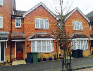 3 Bedrooms Terraced House for sale in Fairview Drive, Ashford, Kent