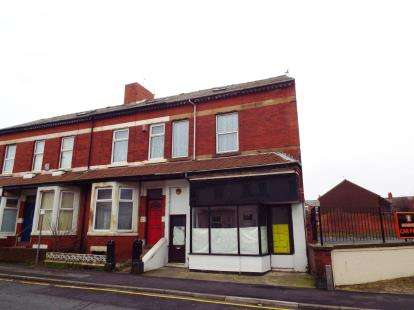 1 Bedroom Flat for sale in Newton Drive, Blackpool, Lancashire, FY3