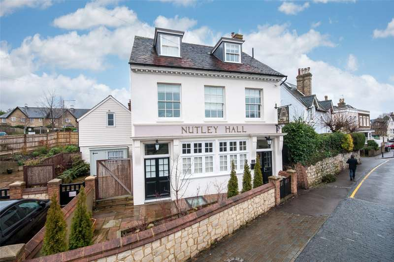 3 Bedrooms End Of Terrace House for sale in Nutley Hall, 8 Nutley Lane, Reigate, Surrey, RH2