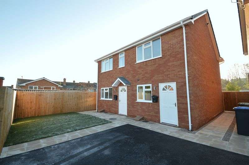 2 Bedrooms Semi Detached House for sale in Summers Mews, New Road, Studley