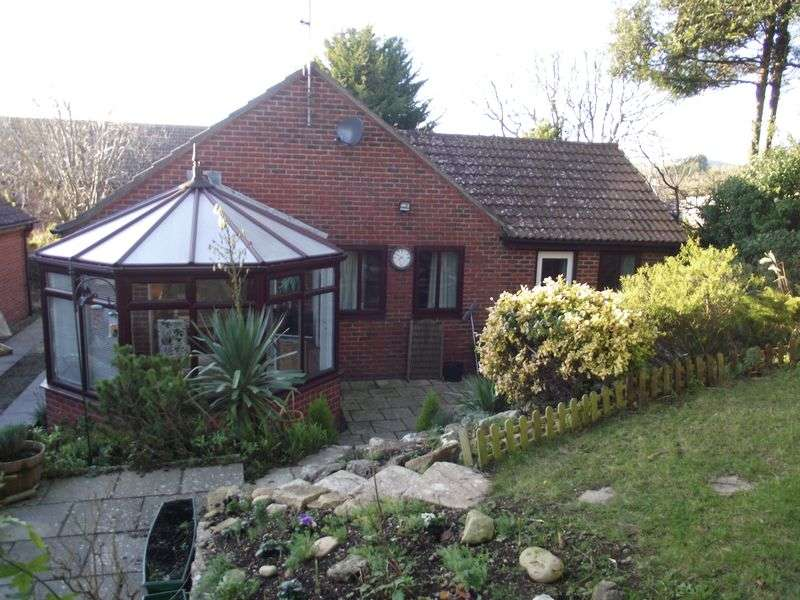 2 Bedrooms Detached Bungalow for sale in Holcombe Close, Preston, Weymouth