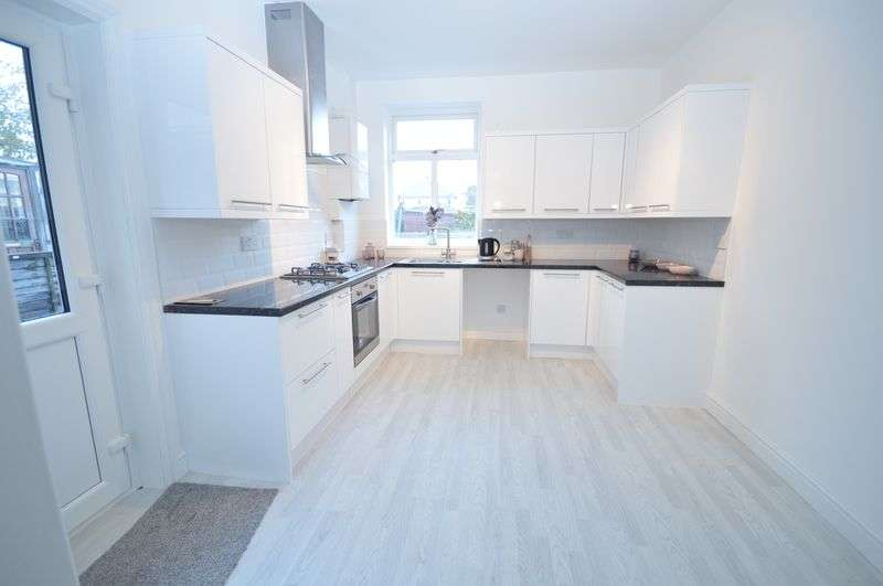 3 Bedrooms Semi Detached House for sale in Green Lane, Rotherham
