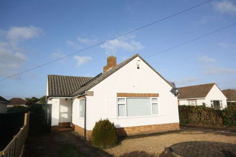 2 Bedrooms Detached Bungalow for sale in Wilton Close, Christchurch
