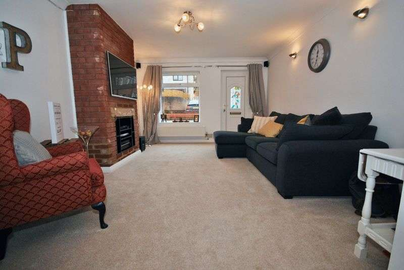 2 Bedrooms Terraced House for sale in Rosebay Close, Norwich