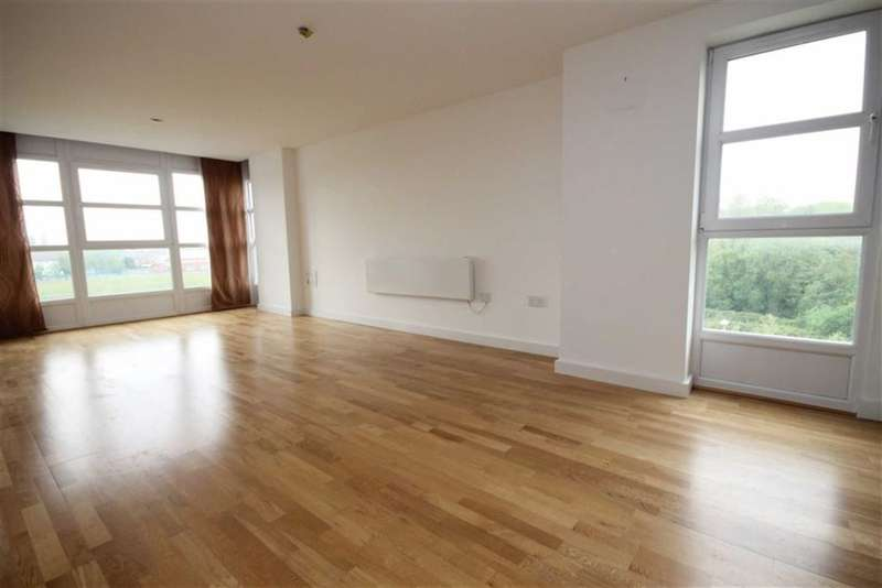 2 Bedrooms Flat for sale in Freshfield, Manchester
