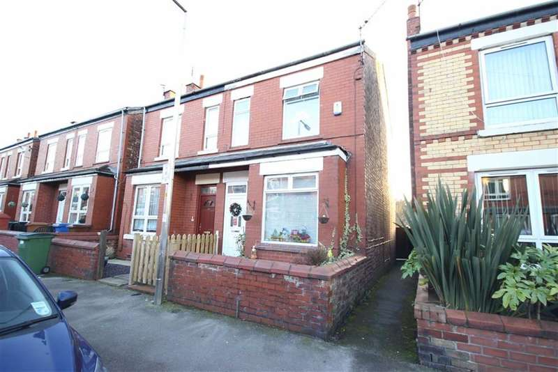 3 Bedrooms Detached House for sale in Vicarage Road, Stockport, Cheshire