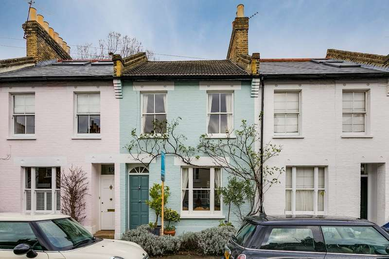 2 Bedrooms Terraced House for sale in Charles Street, Barnes