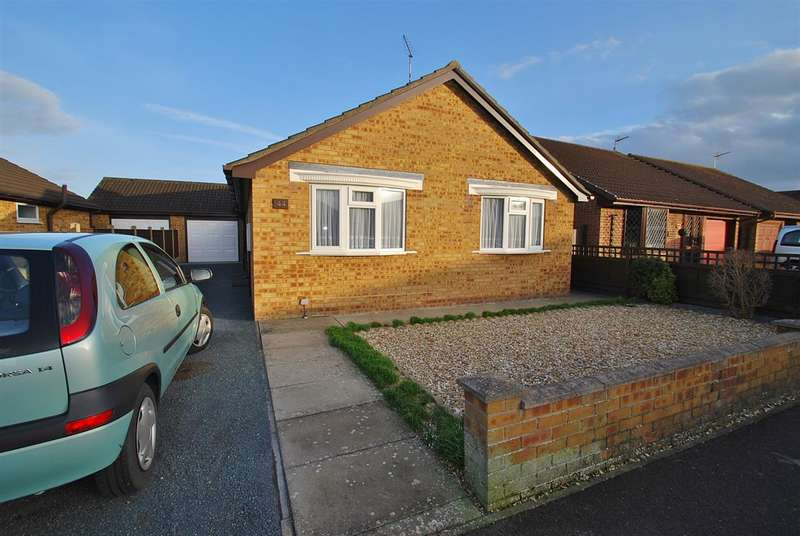 2 Bedrooms Bungalow for sale in St Margarets Avenue, Skegness
