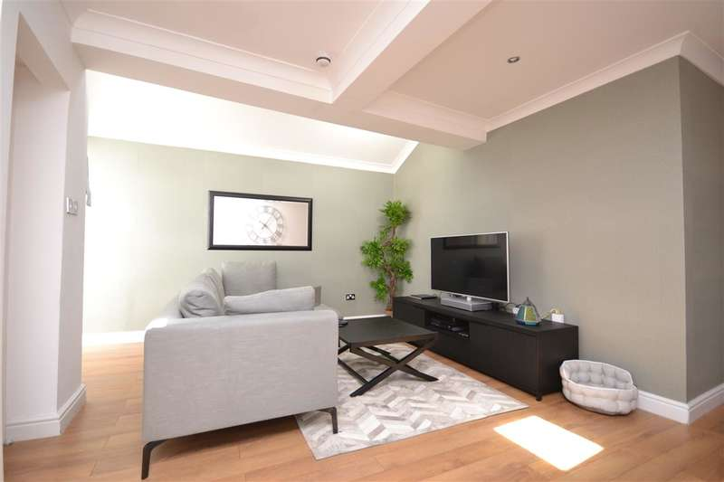 2 Bedrooms Property for sale in Ground Floor Garden Flat, HARROW ON THE HILL