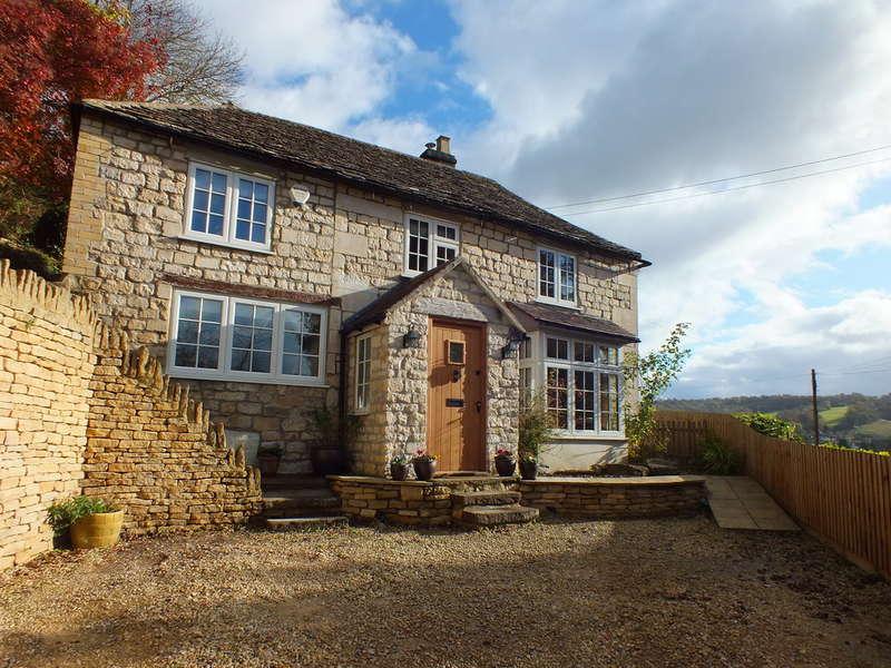 4 Bedrooms Detached House for sale in Watledge