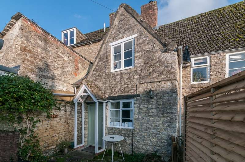 2 Bedrooms Terraced House for sale in Burnivale, Malmesbury