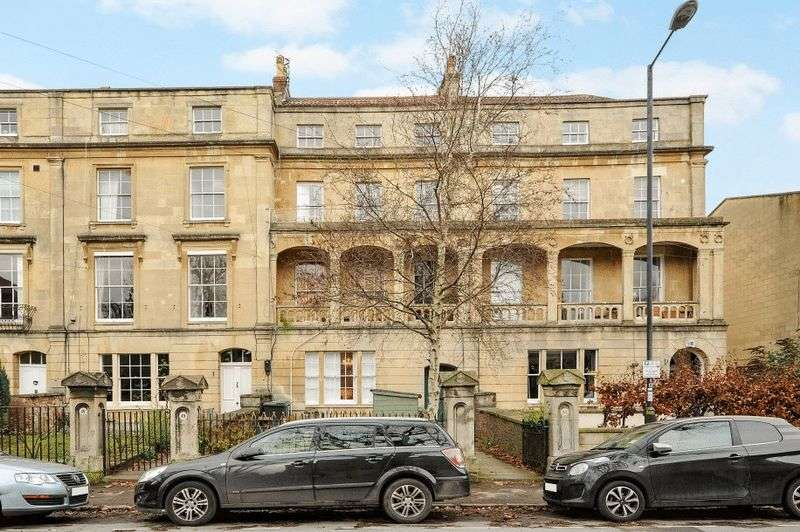 2 Bedrooms Flat for sale in Apsley Road, Clifton