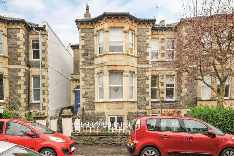 2 Bedrooms Flat for sale in Waverley Road, Redland