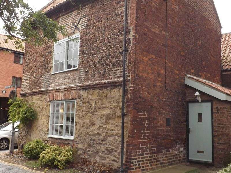 3 Bedrooms Terraced House for sale in West Street, Yarm
