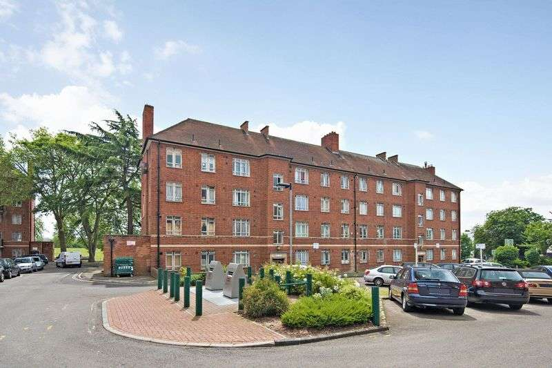 3 Bedrooms Flat for sale in Albert Carr Gardens, Streatham, London