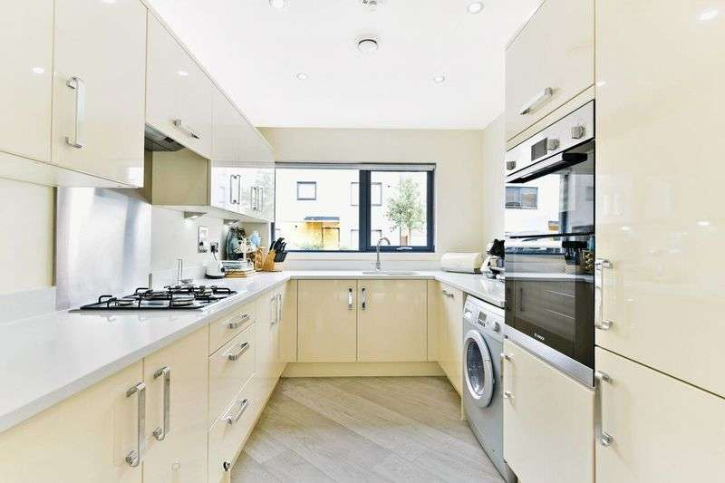 4 Bedrooms Property for sale in Streatham