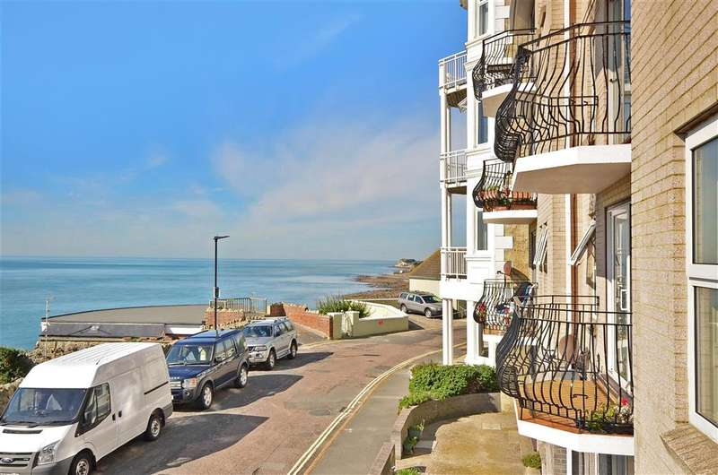 2 Bedrooms Apartment Flat for sale in Hambrough Road, Ventnor, Isle of Wight