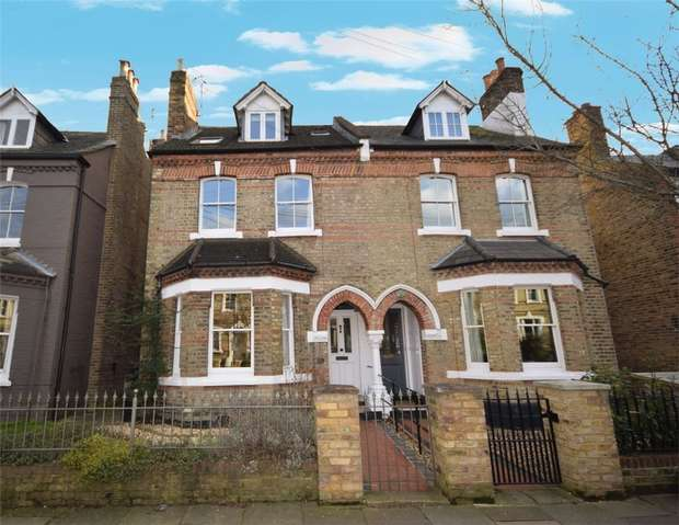 4 Bedrooms Semi Detached House for sale in Haggard Road, Twickenham
