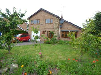 4 Bedrooms Detached House for sale in Coed-Y-Nant, Coed-Y-Glyn, Wrexham, Wrecsam, LL13