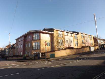 2 Bedrooms Flat for sale in Wedmore Place, 85 Wingfield Road, Bedmister, Bristol