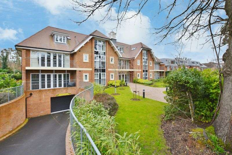 2 Bedrooms Flat for sale in Beaconsfield
