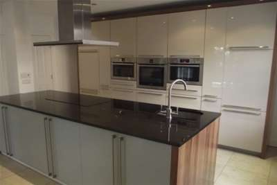 3 Bedrooms Flat for rent in Ibbotsons Lane, L17
