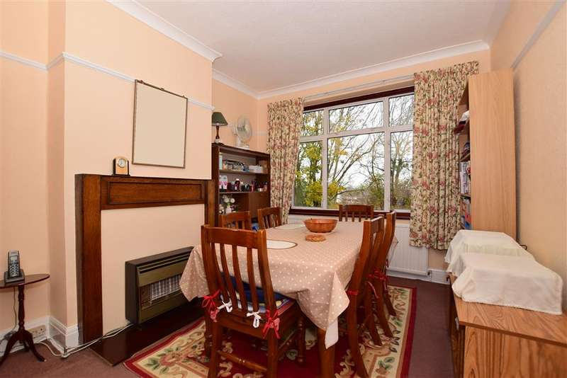 3 Bedrooms Semi Detached House for sale in Cantwell Road, London