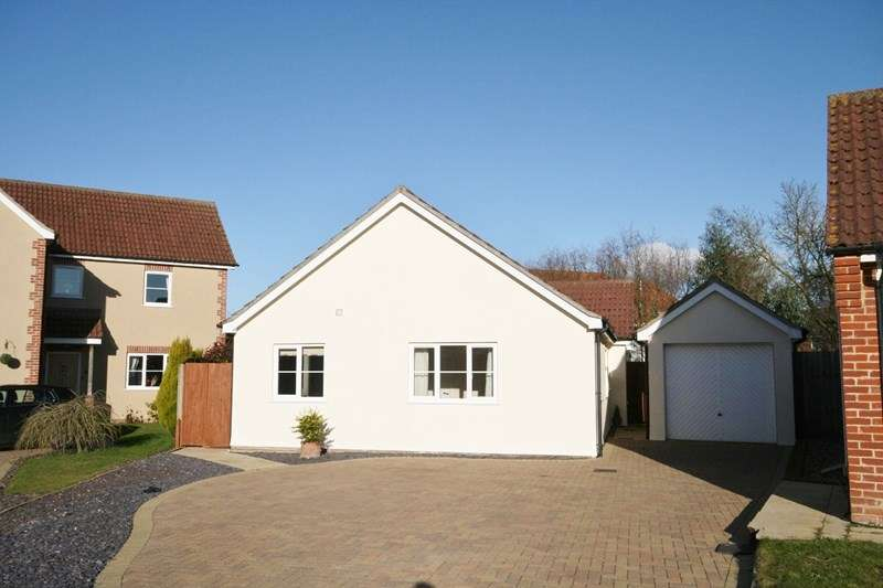 4 Bedrooms Property for sale in The Brecks, Attleborough