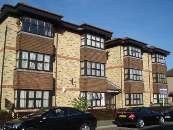 Studio Flat for sale in Kingsdale Court, Milton Road, Swanscombe