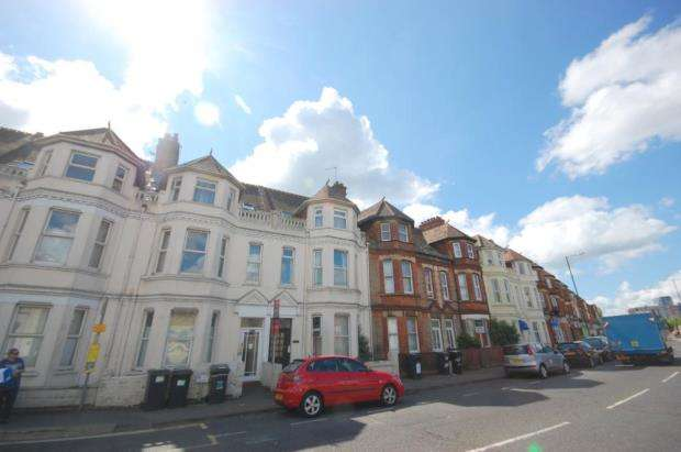 2 Bedrooms Flat for sale in Bournemouth, Dorset, BH8
