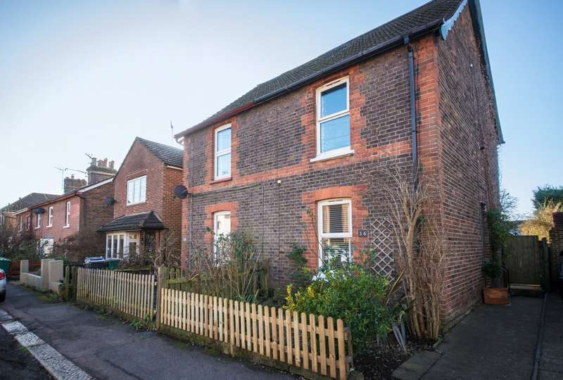 3 Bedrooms House for sale in Priory Rd, Reigate