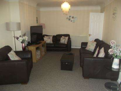 4 Bedrooms Bungalow for sale in Southampton, Hampshire
