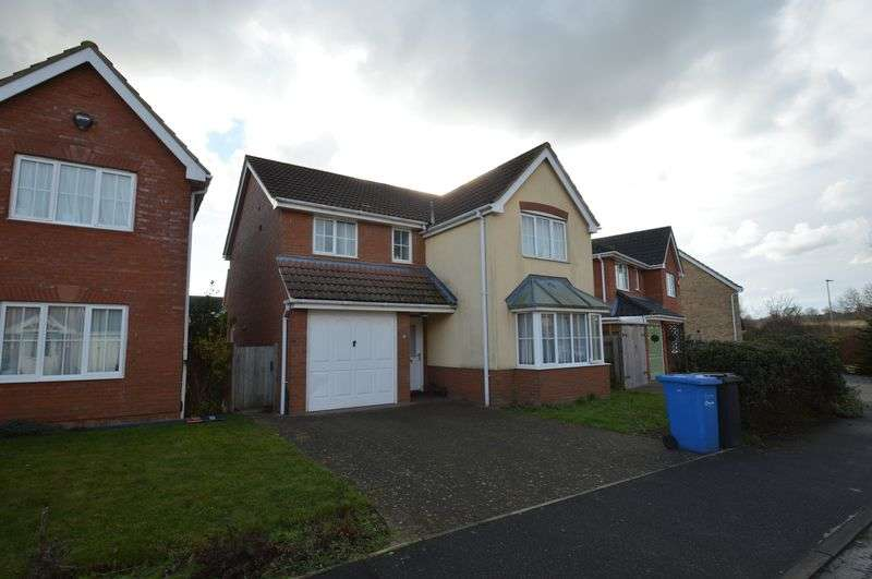 5 Bedrooms Detached House for sale in Bladewater Road, Three Score, Norwich