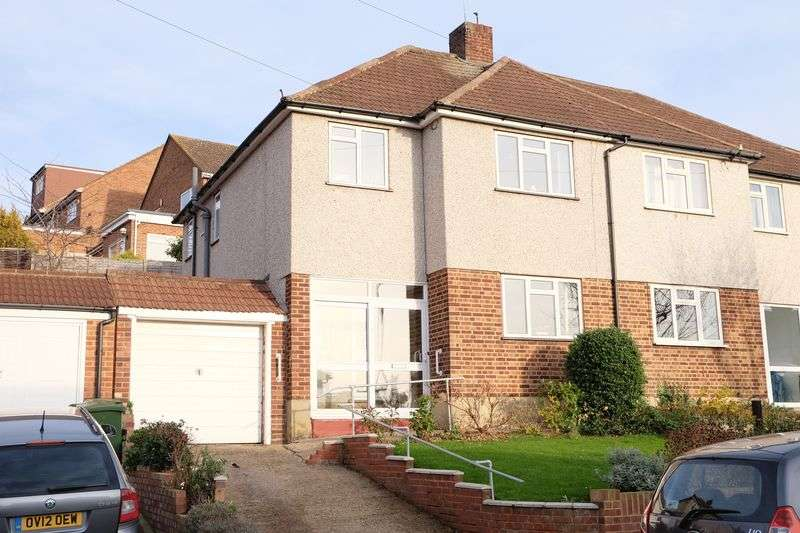 3 Bedrooms Semi Detached House for sale in Brasted Close, Bexleyheath