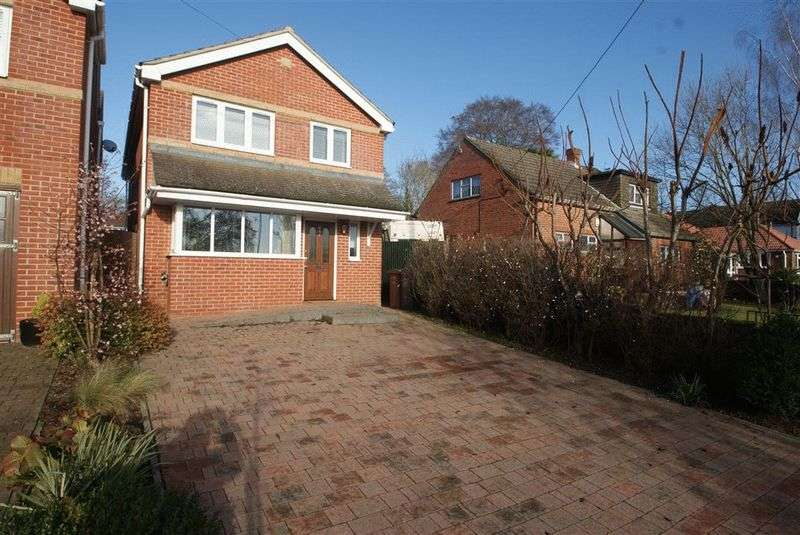 3 Bedrooms Detached House for sale in Plantation Road, Andover