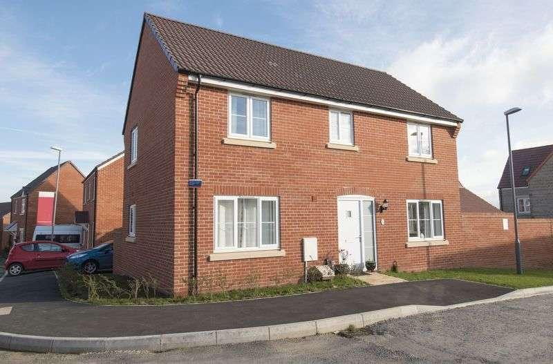 4 Bedrooms Detached House for sale in Blackberry Way, Keynsham